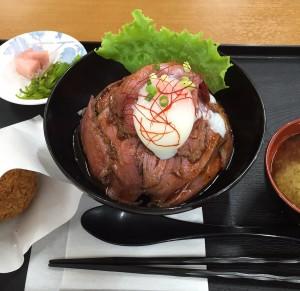 ローストビーフ丼 丼ぶり